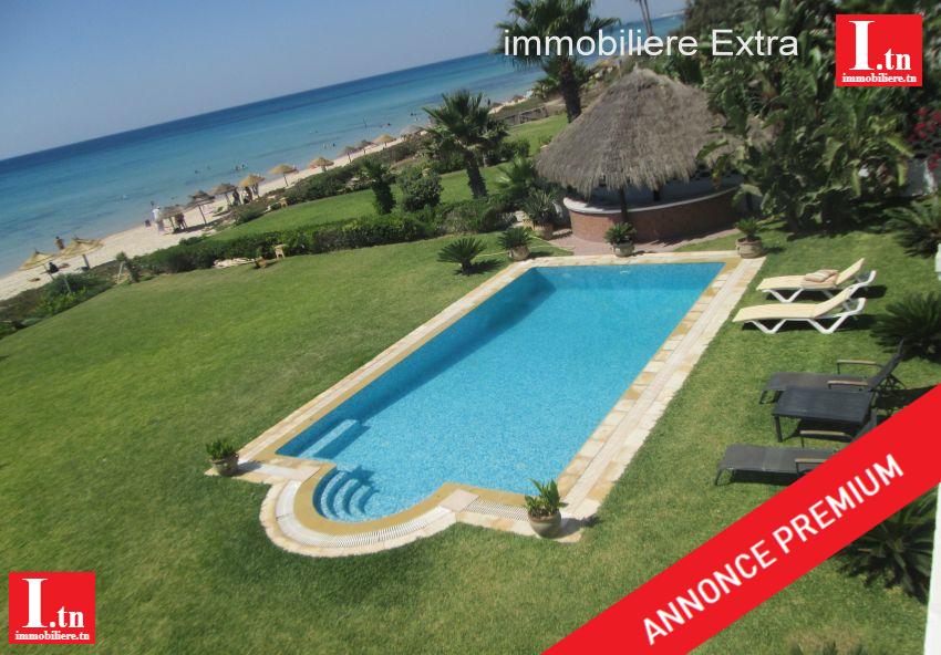 Location d'une superbe villa de lux meublé pied dans l'eau a sidi Mahersi - Nabeul